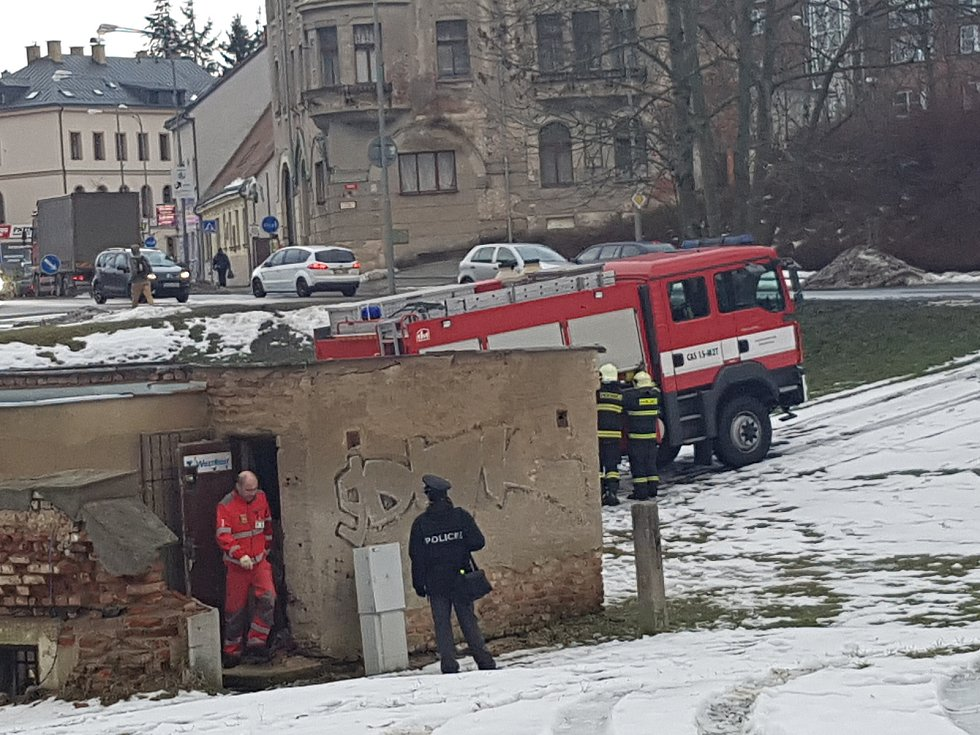 V Jablonci v pondělí odpoledne našli tělo bez známek života v opuštěném objektu u autobusového nádraží.