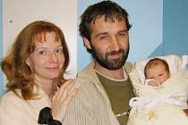 Lucinka Šilhánová s maminkou Monikou Šilhánovou a tatínkem