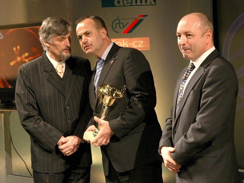 """Vyhlášení ankety """"Sportovec Libereckého kraje 2008"""" v divadle F. X. Šaldy. Vladimír Boháč, Stanislav Eichler a Stanislav Žiačik."""