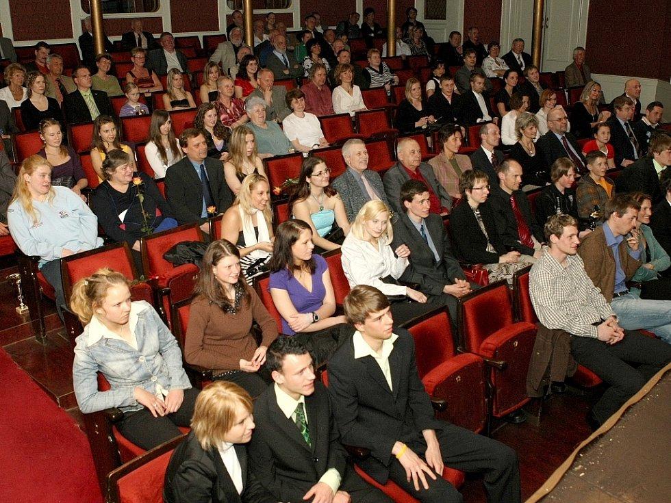 """Vyhlášení ankety """"Sportovec Libereckého kraje 2008"""" v divadle F. X. Šaldy."""