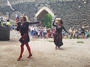 Tanec čertic na Troskách