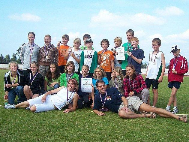Jablonecké mladší žactvo pod vedením trenérky Evy  Mikulové vyhrálo závod krajského přeboru.