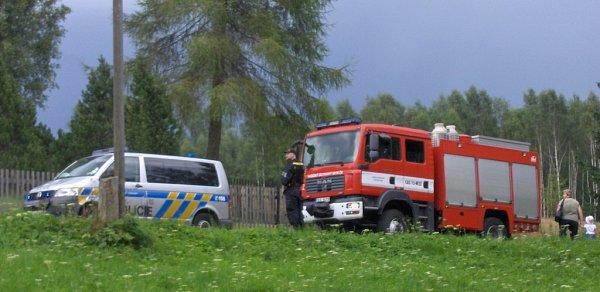 Motorkář vylétl přímo do přepadu soušské přehrady.