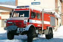 SDH Tanvald Šumburk. Cisternová stříkačka na podvozku Mercedes UNIMOG 5000 je jediná svého druhu v regionu.