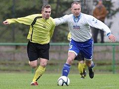 Fotbalisté Chrastavy (ve žlutém) porazili Mšeno B 3:1 a upevnili si vedení v I. A třídě.