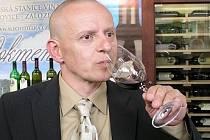 Petr Krejčík, sommelier Domu vína uvádí, jaké víno je vhodné k velikonočním pokrmům.