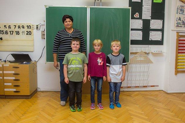Prvňáci ze Základní školy Velké Hamry II se fotili do projektu Naši prvňáci.