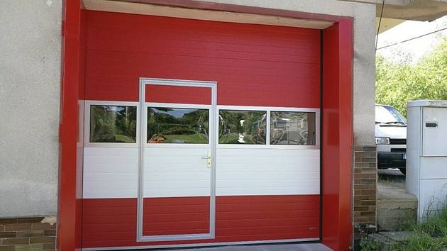 Nová garážová vrata.