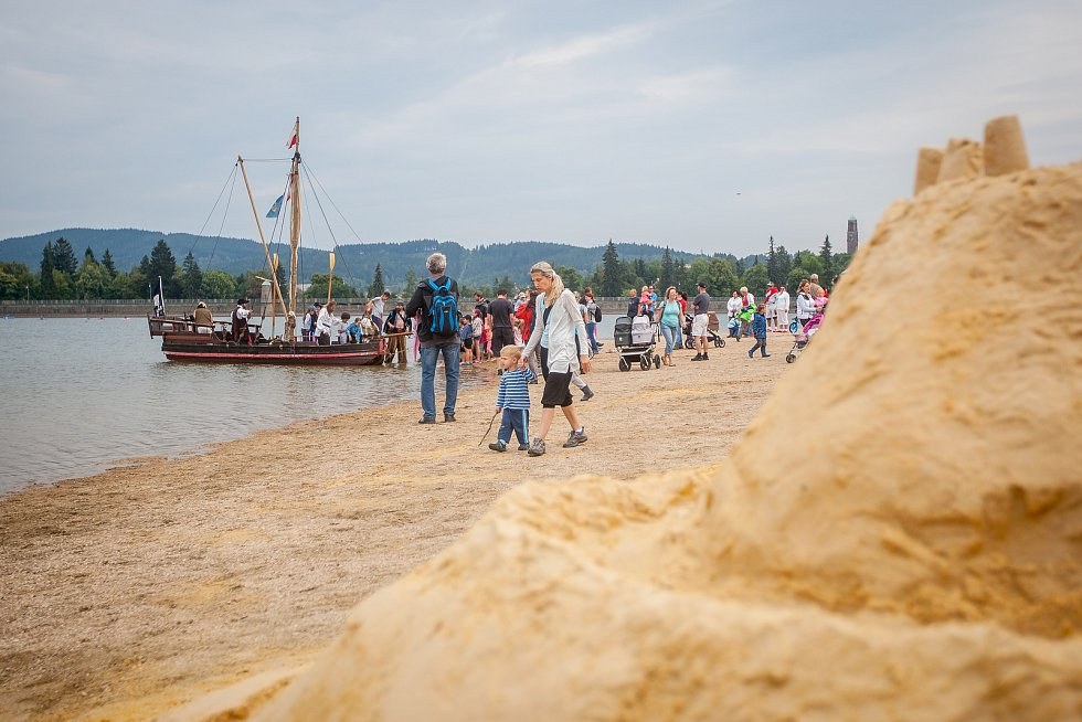 První Jablonecké pískohrátky proběhly 18. července na pláži přehrady v Jablonci nad Nisou.