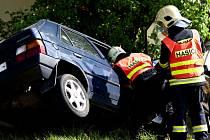 K vážné dopravní nehodě se zraněním došlo v sobotu ráno v Rýnovicích - na rovince v úseku u věznice - na spojici mezi Jabloncem a Libercem. Řidič s favoritem skončil v příkopě.