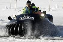 Už několik let po sobě každým rokem sjíždějí profesionální i amatérští záchranáři z různých koutů republiky do Dolní Vltavice.