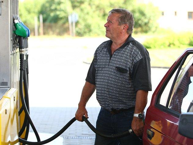 Ilustrační snímek - pohonné hmoty