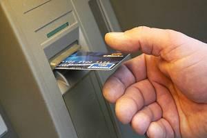 Bankomat. Ilustrační snímek
