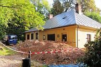 V prostoru, který slouží jako skladiště, našli zbytky gotického kostela svaté Alžběty. Ten zanikl po požáru v roce 1788.
