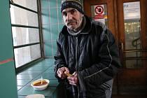 Lidé bez domova pomoc potřebují