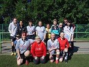 Pod vedením trenéra Honzy Štola hrála děvčata, která dobře vědí, co fotbal obnáší.