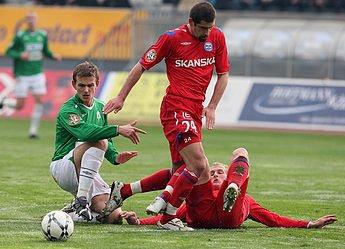 V Jablonecké Chance areně přivítal domácí FK hosty z Brna.Zápas zkončil poměrem 2:0 pro domácí. Na snímku Pavol Straka a Petr Pavlík.