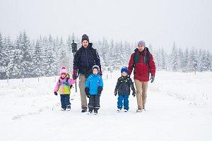 První sníh zkomplikoval dopravu