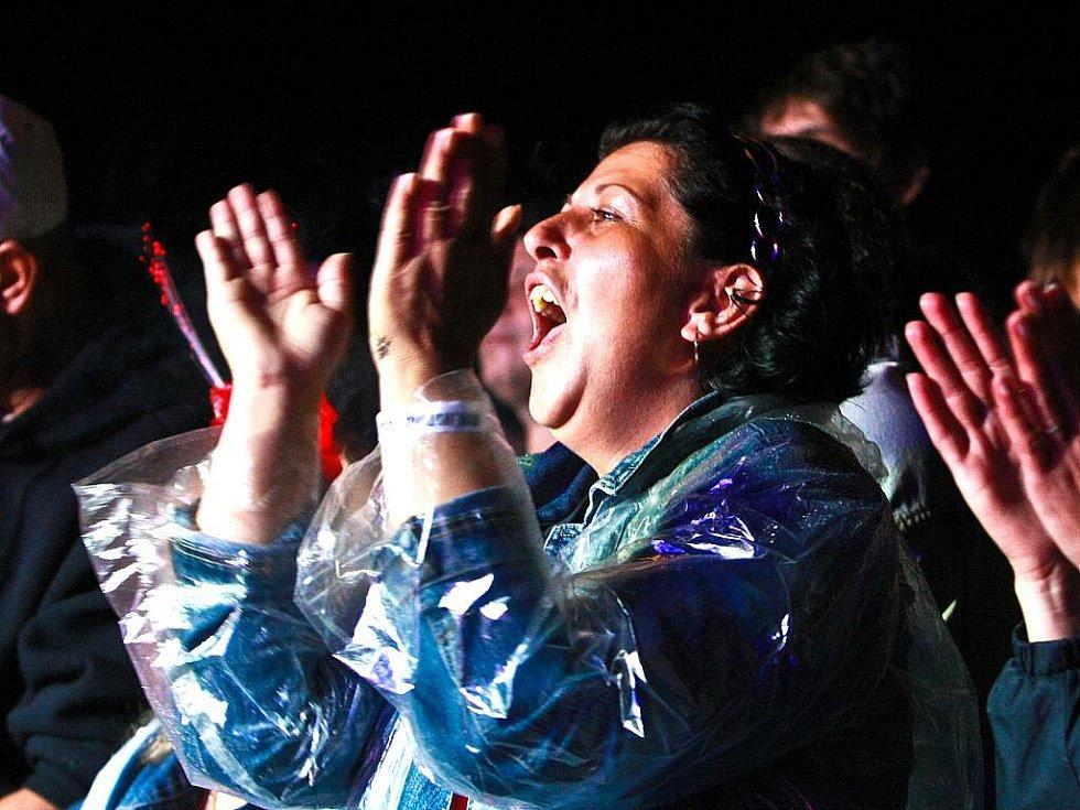 27. července večer v Krásné Studánce na Motomanii patřil rocku.