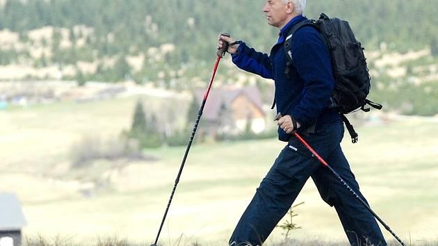 Nordic walking. Ilustrační snímek.