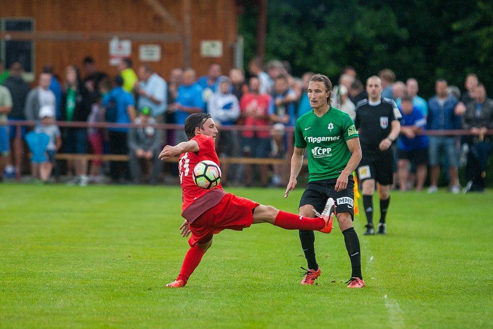 Přátelské fotbalové utkání mezi týmy FK Jablonec a FK Jiskra Mšeno se odehrálo 12. července v Rychnově u Jablonce nad Nisou. Na snímku vpravo Matěj Hanousek.