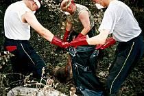 Sbor dobrovolných hasičů Malá Skála - Mukařov. Pomoc při záplavách v Tuháni.