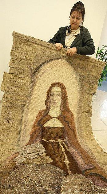 Tapisérie sv. Anežka Česká vznikla nadanýma rukama Dany Rezkové