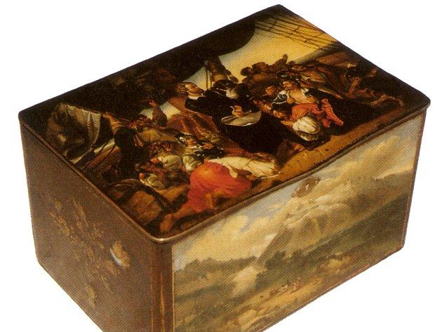 Městské muzeum v Rychnově, expozice rychnovského malířství. Krabička zdobená miniaturní malbou z rychnovské manufaktury Karla Hofrichtera.