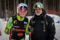 Martin Lomský se věnuje v oddíle skicrossového lyžování hlavně žákovské kategorii. A ta sbírala v sezóně jeden úspěch za druhým.