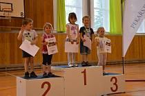 I přes nedostatek sněhu a koronavirovou pandemii vyhlásili pořadatelé v tanvaldské sportovní hale výsledky série závodů o Pohár města Tanvaldu.