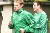 """Fotbalisté Baumitu Jablonec v pátek pokračovali v přípravě a na programu byl dopolední výběh v """"Srnčáku"""". Zaběhat si byla i nová posila Baumit Karel Piták s číslem 12."""