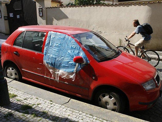 Krádež v autě. Ilustrační snímek.
