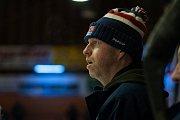Zápas 40. kola 2. ligy ledního hokeje skupiny Západ se odehrálo 14. února na zimním stadionu v Jablonci nad Nisou. Utkaly se týmy HC Vlci Jablonec nad Nisou a HC Děčín. Na snímku je trenér Jaromír Carvan.