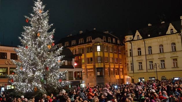 Rozsvěcení vánočního stromu v Jablonci nad Nisou.