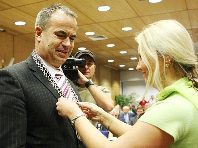 Posledním nově zvoleným krajským hejtmanem se stal Stanislav Eichler. Volba se nevyhnula obstrucím ze strany ODS, kteří tak o sobě dali vědět jako čerstvá opozice.