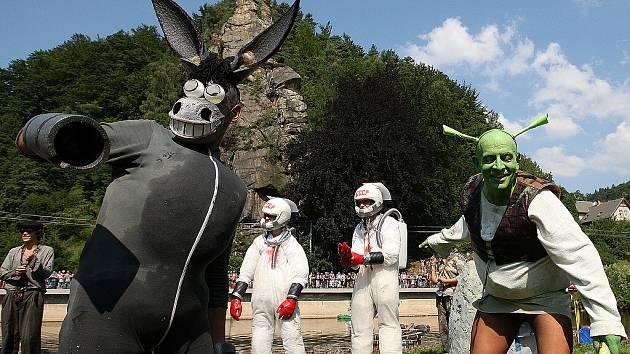 Oslík, Shrek a sovětští kosmonauté exkluzivně na maloskalské neckyádě.