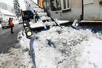 Stalinovy ruce jsou jen jedním kusem techniky, které využívají Technické služby města Jablonec k odklízení sněhu.