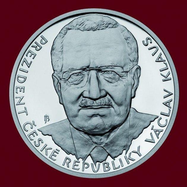 Líc stříbrné medaile k 15. výročí založení České republiky
