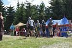 Skupina historického šermu Artuš Bohemia na tento víkend připravila již tradiční Historický víkend na rozhledně Štěpánka.