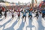 Závod v klasickém lyžování, Volkswagen Bedřichovská 30, odstartoval 16. února v Bedřichově na Jablonecku Jizerskou padesátku. Hlavní závod zařazený do seriálu dálkových běhů Ski Classics se pojede 18. února 2018. Na snímku je start závodu na 30 kilometrů.