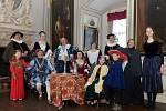 RENESANČNÍ hudbu mohli první návštěvníci hradu a zámku ve Frýdlantě slyšet v podání středověké kapely Trifikus.