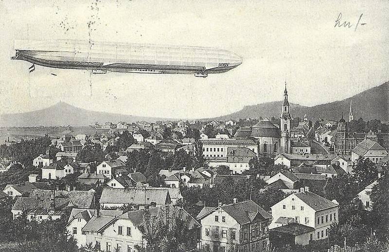 Vzducholoď nad Novým Borem v roce 1913.