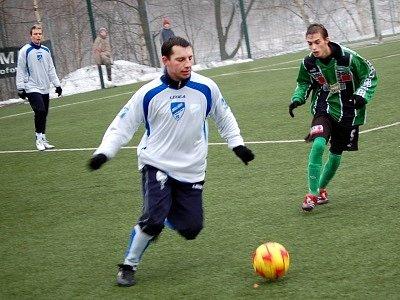 turnaj OFC cup Zámečník z Jiksry Mšeno za ním Hlubuček z dorostu FK 97