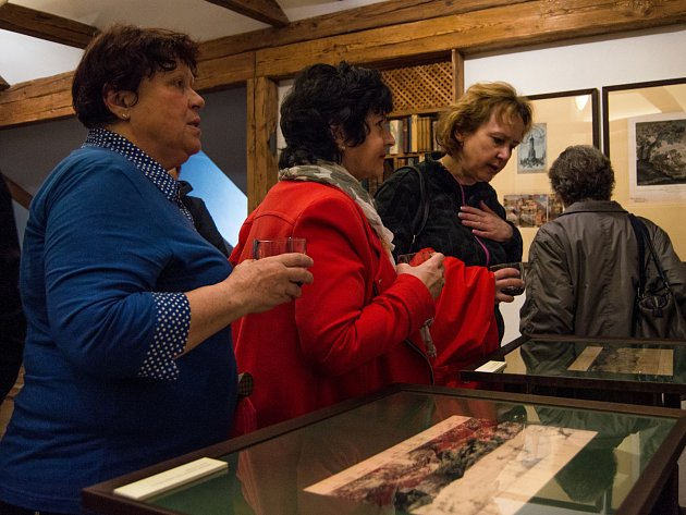 """Výstava """"Příkladná píseň o mordu"""" nabízí průřez sběratelskou tvorbou výjimičného Josefa Scheybala."""