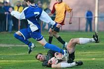 Finále okresního poháru. Rychnov (v modrém) doma porazil Velké Hamry B 3:2.
