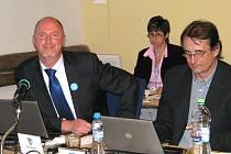 Zastupitelé České Lípy odvolali z funkce člena rady města Petra Skokana. Nahradil jej Karel Tejnora.