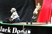 Jablonecký klub lodních modelářů Admirál pořádal na Novoveském koupališti o víkendu již čtyřicátý druhý ročník soutěže Jablonecká kotva a třicátý osmý ročník Modré stuhy.