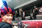 Na Malé Skále odstartoval ve čtvrtek v 17 hodin rockový festival Benátská noc. První návštěvníci zapařili na metalové kapele mimozemšťanů DYMYTRY.