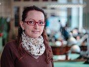 Studentka Mária Filová vytvořila při absolutoriu na jablonecké Vyšší odborné školy, oboru Ražená medaile a mince sadu devíti medailí, na kterých mapuje průřez historií mincovnictví na území Čech.