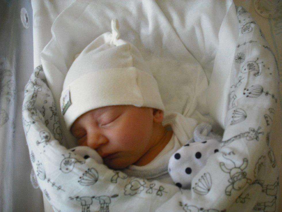 Karin Josková. Narodila se 22.února v jablonecké porodnici mamince Kláře Andrejkové z Jablonného v Podještědí.Vážila 2,94 kg a měřila 48 cm.